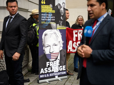 WikiLeaks' Assange Says His Life at Stake in Extradition Fight Capture-23