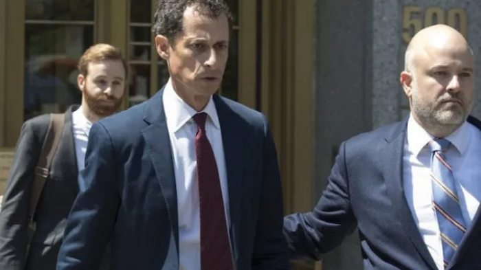 Anthony Weiner Has MELTDOWN After Being Called 'Pedophile' While Having Coffee